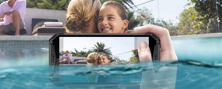With Ulefone Armor 3W, The World's First 10300mAh Super-large Battery Rugged Smartphone, You Can Capture A Photo Underwater Now!